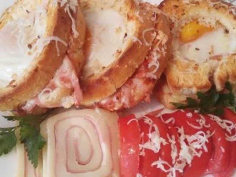 Доручек или вечера за миг: Највкусните пица сендвичи (ВИДЕО)