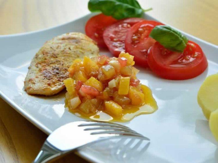 Повкусен ручек немате пробано: Пилешки шницли во сос од лимон