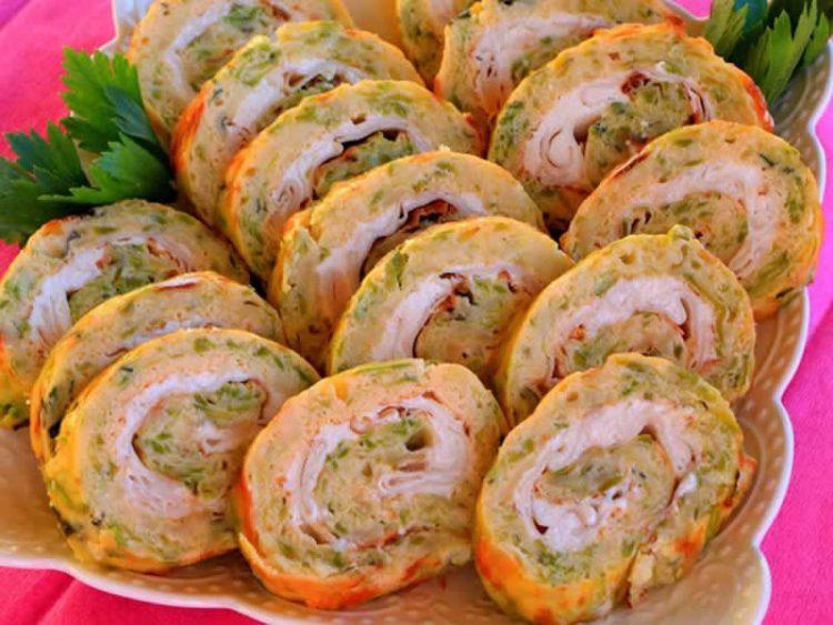Лесен ручек кој брзо се прави: Рецепт за фил за палачинки со тиквици, сирење и сланина
