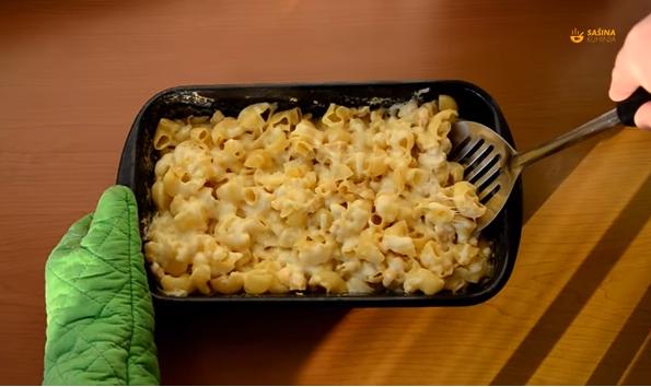 Брз викенд ручек: Макарони со пилешко, кремава тава за 3 минути