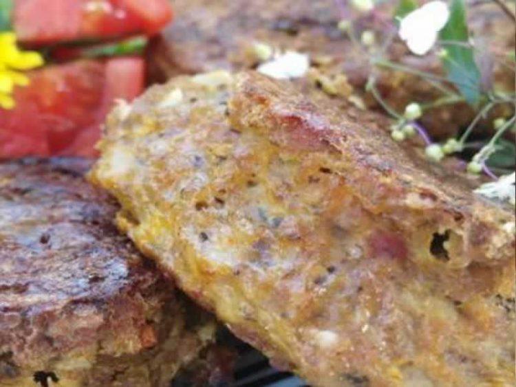 Деликатесно месо: Шницли во доматен сос