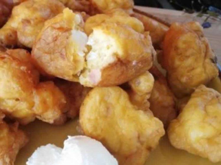 Омилениот доручек без квасец и чекање тестото да нарасне: Уштипци полнети со кашкавал