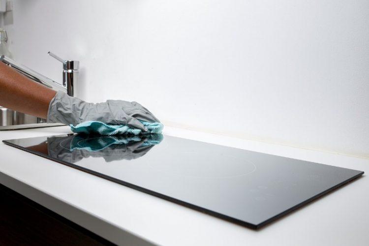 За 20 денари направете го најефикасното средство за бања и кујна – Чисти се без оштетувања