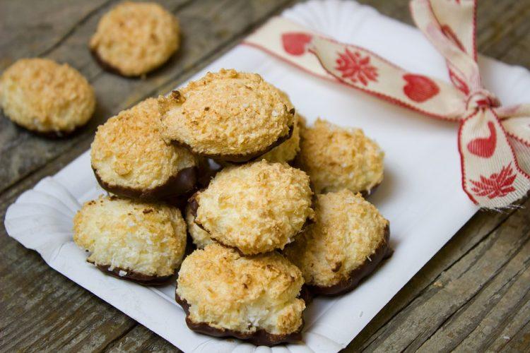 Ситни новогодишни колачиња: Шепи со мед, сите ќе бараат рецепт