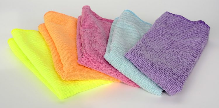 Домашно средство за чистење: 500 милилитри од две состојки, се ќе блеска