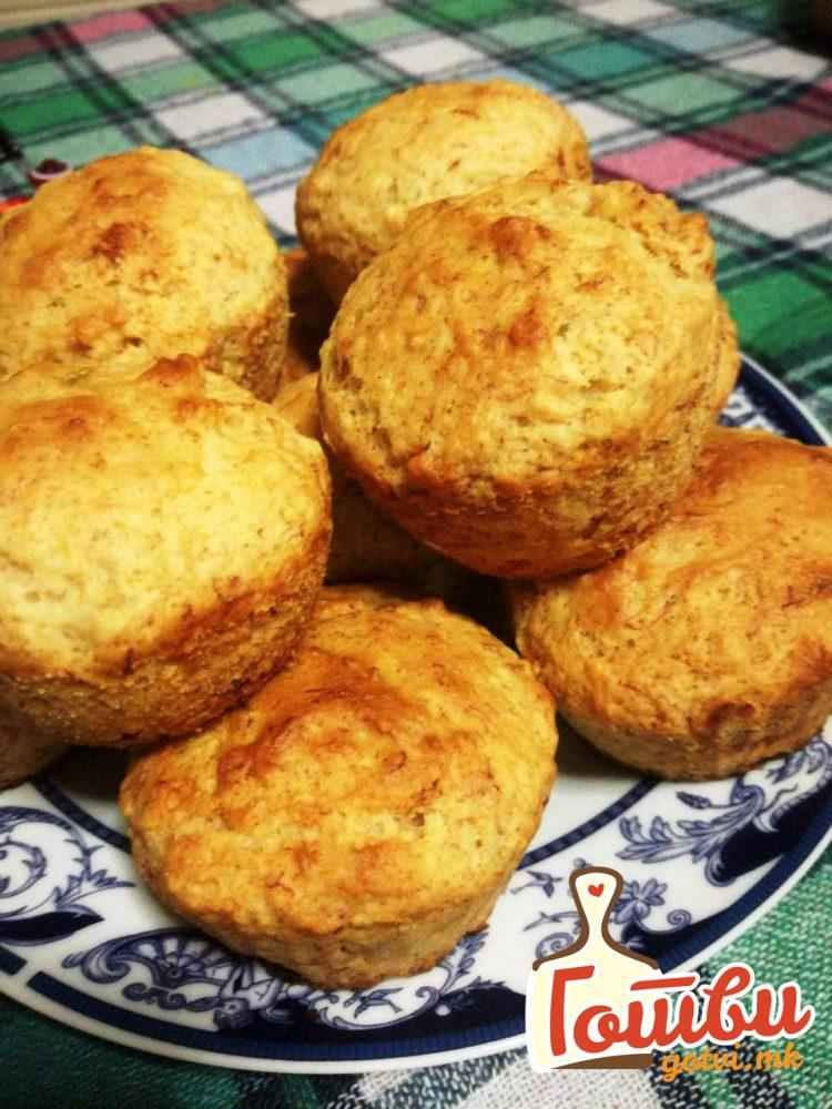 Видео рецепт: Брзи солени мафини со кашкавал