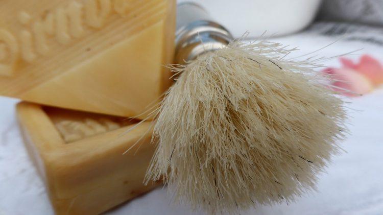 Кожата е мека, бричењето никогаш полесно – Замена за пена за бричење од кујната