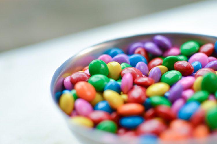 Чоколадни лентички кои децата ќе ги сакаат – Шарени и вкусни