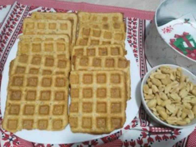 Неодоливи и домашни: Крекери со сирење и кикирики (Видео)