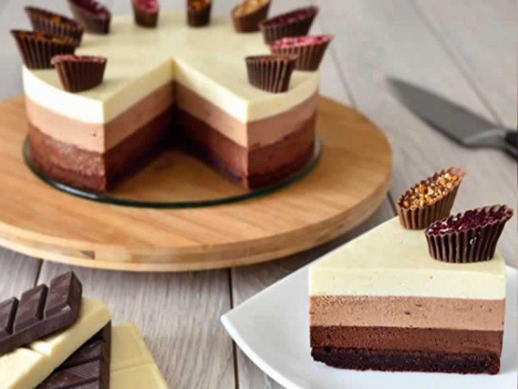 Колач кој го освои светот: Тробоен чоколаден мус готов во рекорден рок