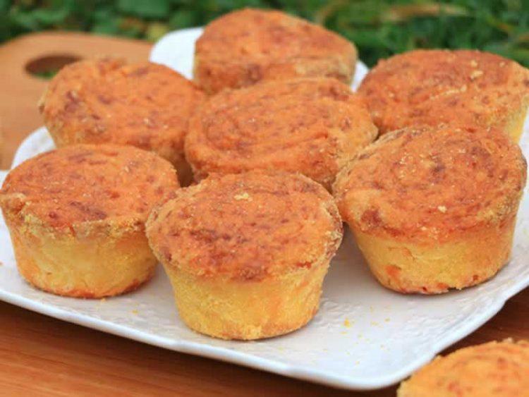 Погачи од компири, шунка и сирење – Појадок кој брзо се прави