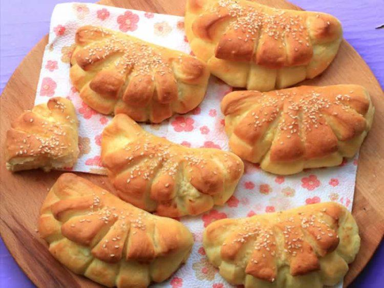 Меко, декоративно печиво со сирење (Видео)
