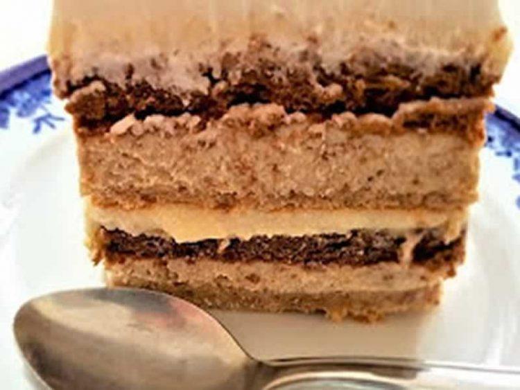 Кремаста торта со лешници