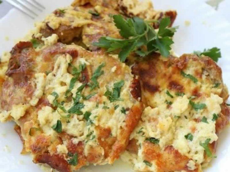 Ароматични кременадли со павлака и топено сирење: Највкусното месо кое можете да го подготвите за ручек