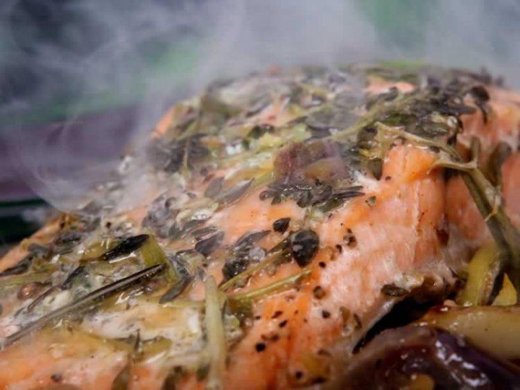 Риба на поинаков начин: Ослич со зеленчук