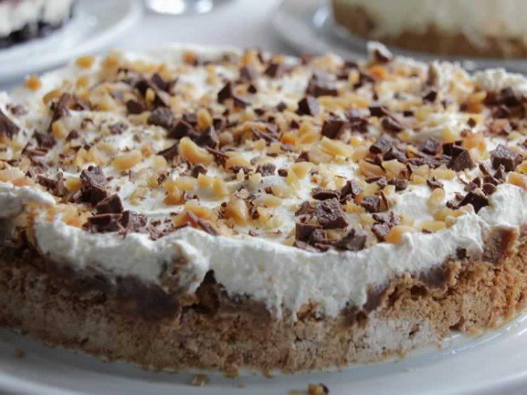 Никогаш не ја отварајте вратата на рерната – Правила за совршено испечени колачи и пандишпан