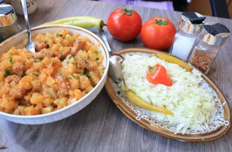 Рестован компир со колбаси