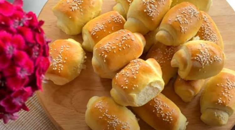 Домашно печиво: Ролнички со сусам