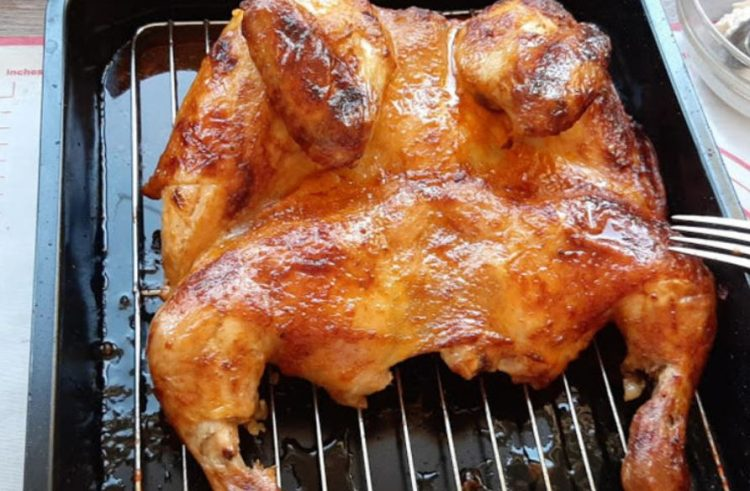 Премачкајте го пилето со мед или масло – Ќе добиете деликатес