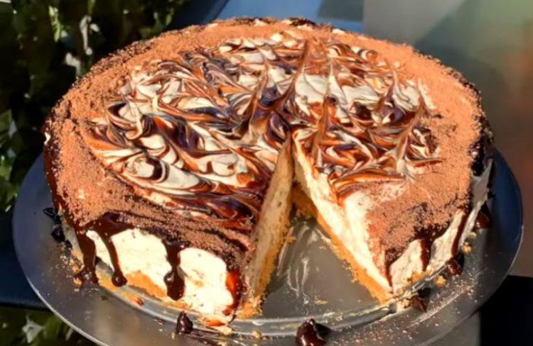 Страчатела торта за чија подготовка ви се потребни само 15 минути
