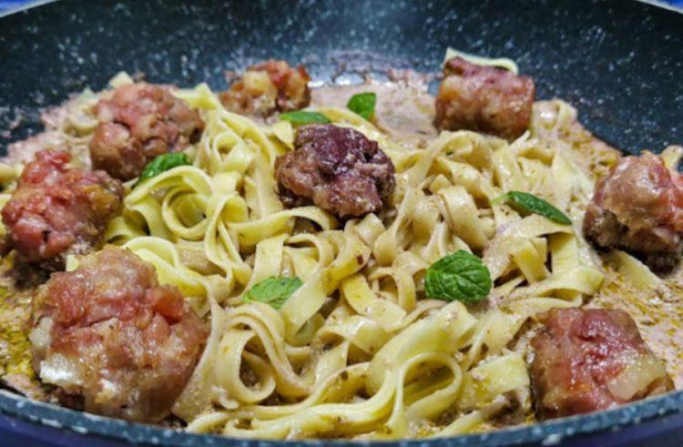 Ќофте и шпагети на италијански начин: За 15 минути ручек на маса