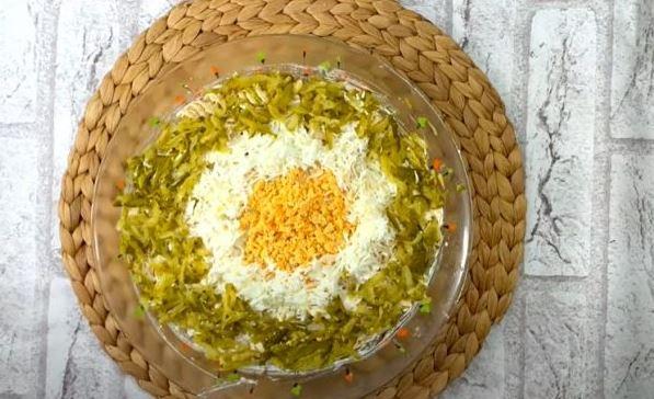 Идеална за слави, родендени, прослави: Свечена салата со пилешко