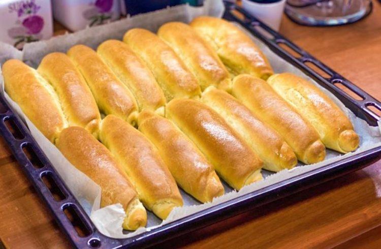 Златни кифли како од пекара: Домашно печиво на кое нема да му одолеете