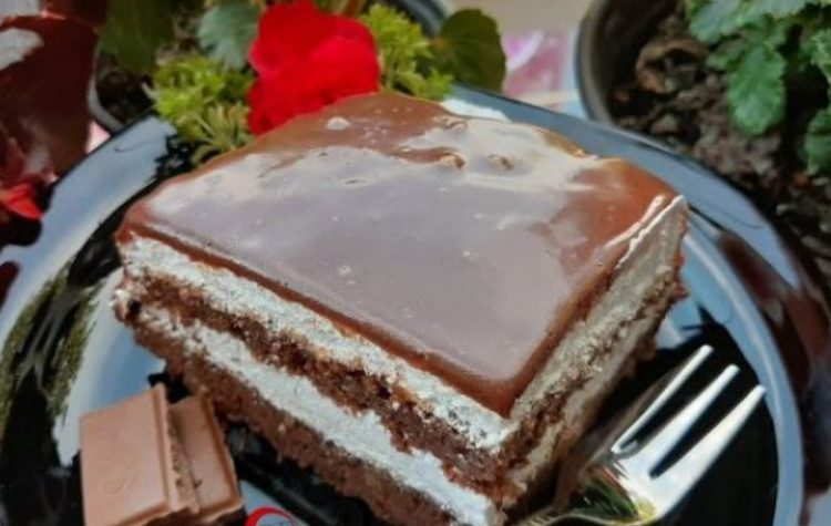 Љубов на прв залак: Чоколаден колач со павлака – одличен рецепт