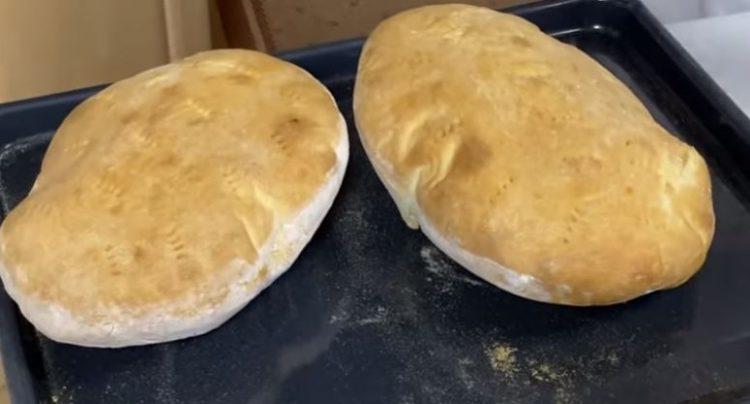 Без квасец, прашок за печиво или сода бикарбона: Погача од 4 состојки по стар рецепт