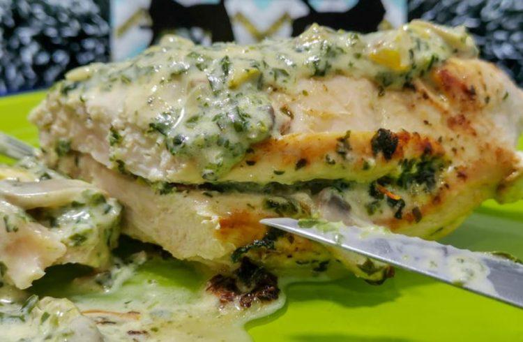 Пилешко филе во кремаст сос: Најдобриот начин да подготвите бело месо