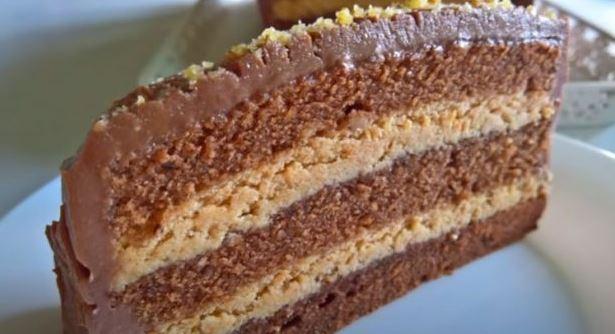 За секакви свечености: Плазма торта со кремаст и сочен фил