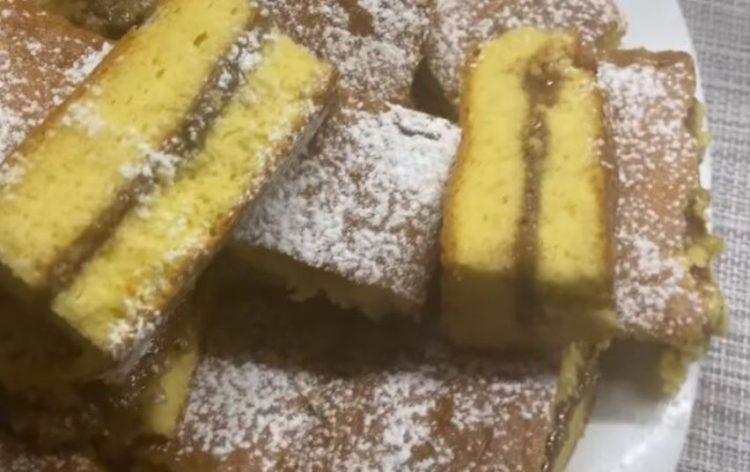 Пенаст колач со џем и ореви: Стар рецепт без конкуренција