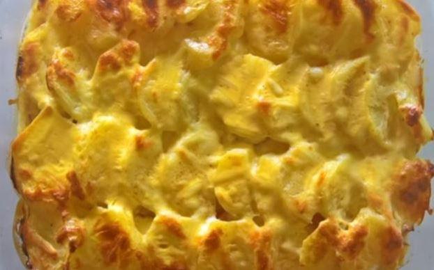 Вкусен прелиен компир од рерна