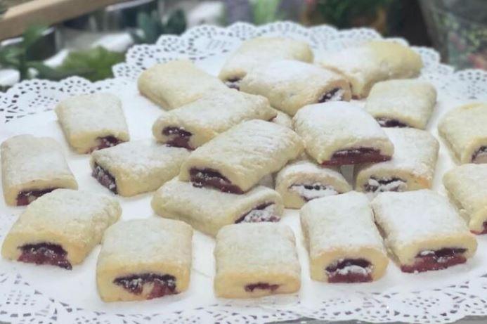 Мини штрудли со тесто од свинска маст: Незаменлив десерт