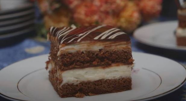 Млечни коцки: Мек и сочен колач