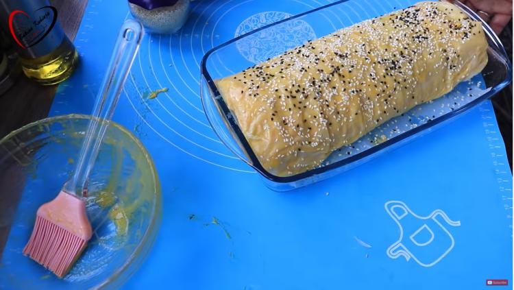 Видео деликатес: Ролат пита полна спанаќ и сирење