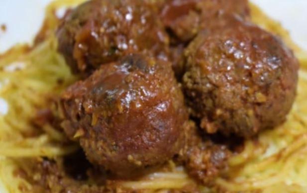 Нема да забележите разлика: Рецепт за посни ќофтиња во доматен сос