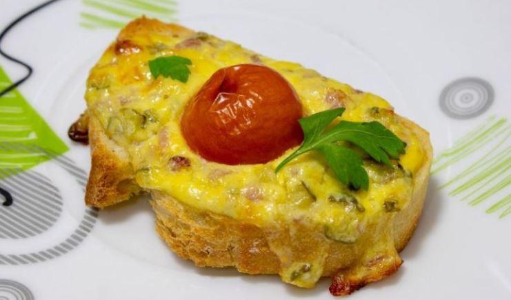 Брзи топли сендвичи од рерна за доручек или вечера