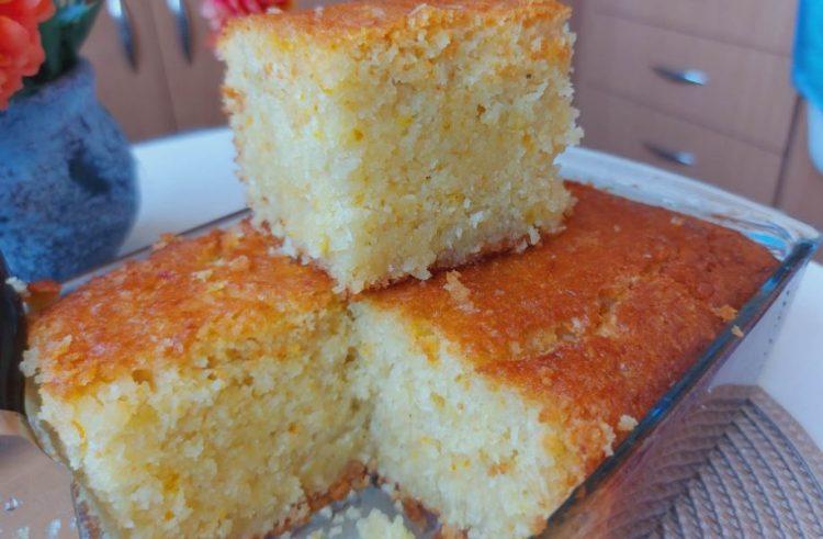 Евтин и сочен: Прелиен колач со гриз, кокос и портокал