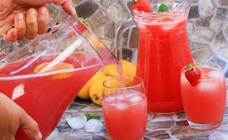 Јагода лимонада – за 10 минути