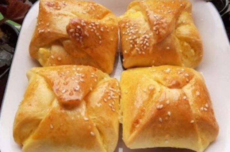 Брзо солено печиво полнето со сирење