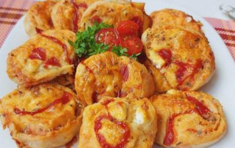 Веднаш ќе правите дупла мера: Пица ролни од готови кори со сочен фил